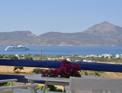 Milos Island hotels with sea view