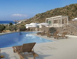Top-7 romantic Ios Island hotels