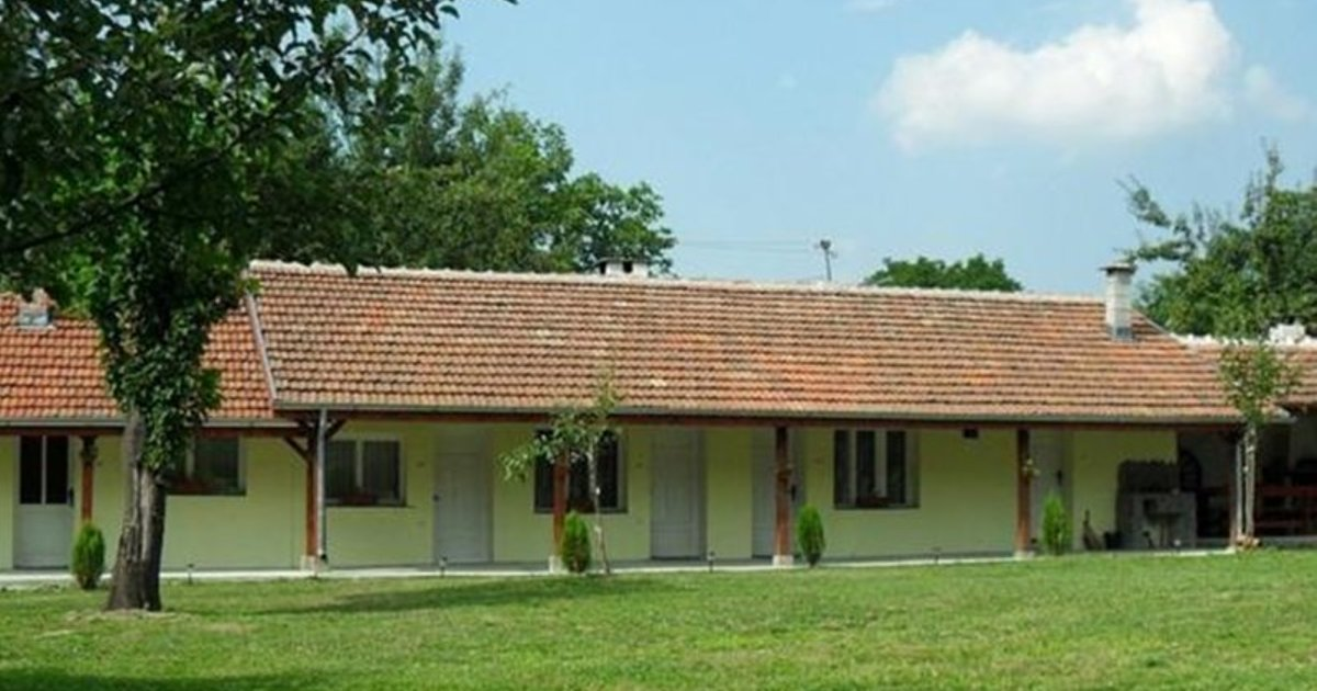 Roden Dom Holiday Home