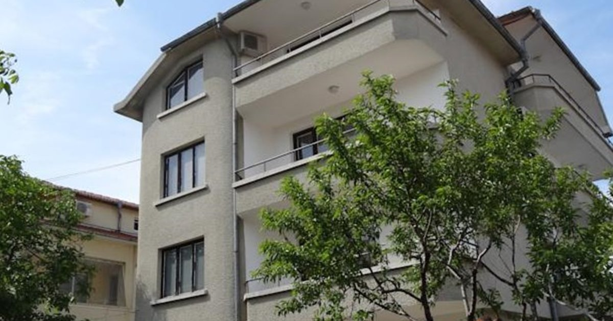 Yanevi Apartments