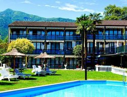 Losone hotels with swimming pool