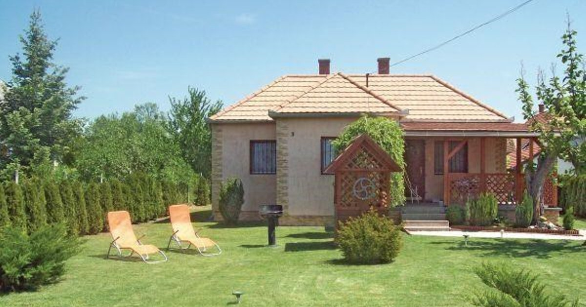 Holiday home Balatonfenyves 40