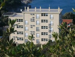 Utjeha hotels with sea view
