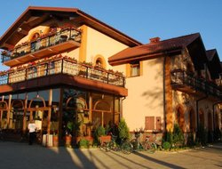 Pisz hotels with lake view