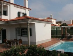 Praia del Rei hotels with swimming pool