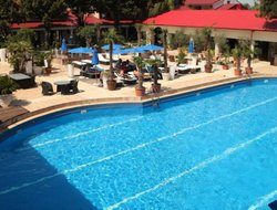 Costinesti hotels with swimming pool