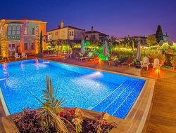 Cesme hotels with swimming pool
