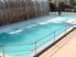 Loutra-Edipsou hotels with swimming pool