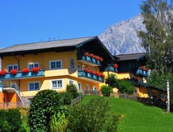 Pets-friendly hotels in Rohrmoos