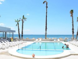 Akcay hotels with swimming pool