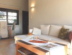 Pets-friendly hotels in Sucina