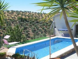 Villaviciosa hotels with swimming pool
