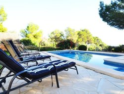 Pets-friendly hotels in Colonia Sant Jordi