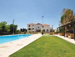 Pets-friendly hotels in Palaia Epidhavros