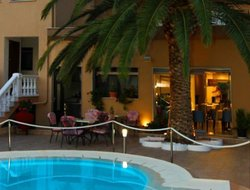 Ormos Prinou hotels with swimming pool