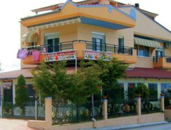 Skala Pakhoniou hotels with sea view