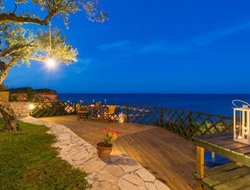 Tragaki hotels with sea view
