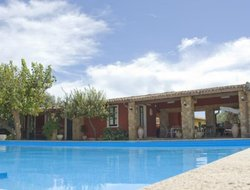 Agnone Bagni hotels with swimming pool