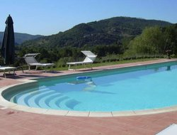 Rassina hotels with swimming pool