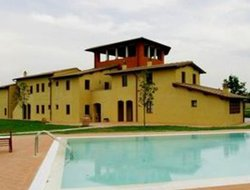 Cerreto Guidi hotels with swimming pool