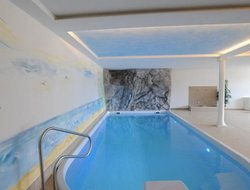 Malles hotels with swimming pool