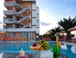 Alba Adriatica hotels with swimming pool