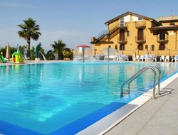 Martinsicuro hotels with swimming pool