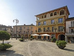 Top-4 hotels in the center of Monforte