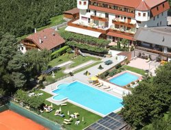 Partschins hotels with swimming pool