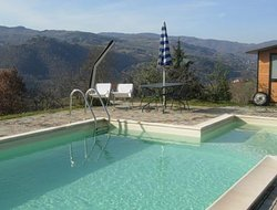 Pratovecchio hotels with swimming pool