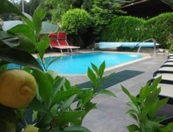 Saltusio hotels with swimming pool