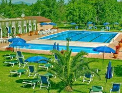 Principina Terra hotels with swimming pool