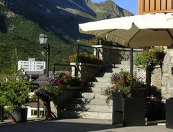 Top-10 hotels in the center of Tonale