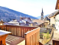 Pets-friendly hotels in Commezzadura