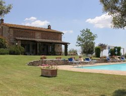Monteroni d'Arbia hotels with swimming pool