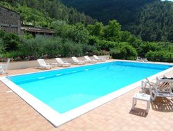 Assisi hotels with swimming pool