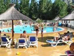 Anduze hotels with swimming pool