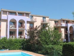 Castellane hotels with swimming pool