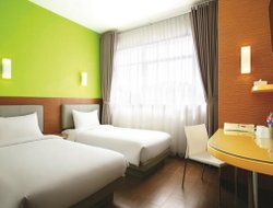 Anyer hotels with restaurants