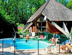 La Canourgue hotels with swimming pool