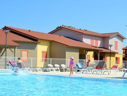 Marseillan hotels with swimming pool