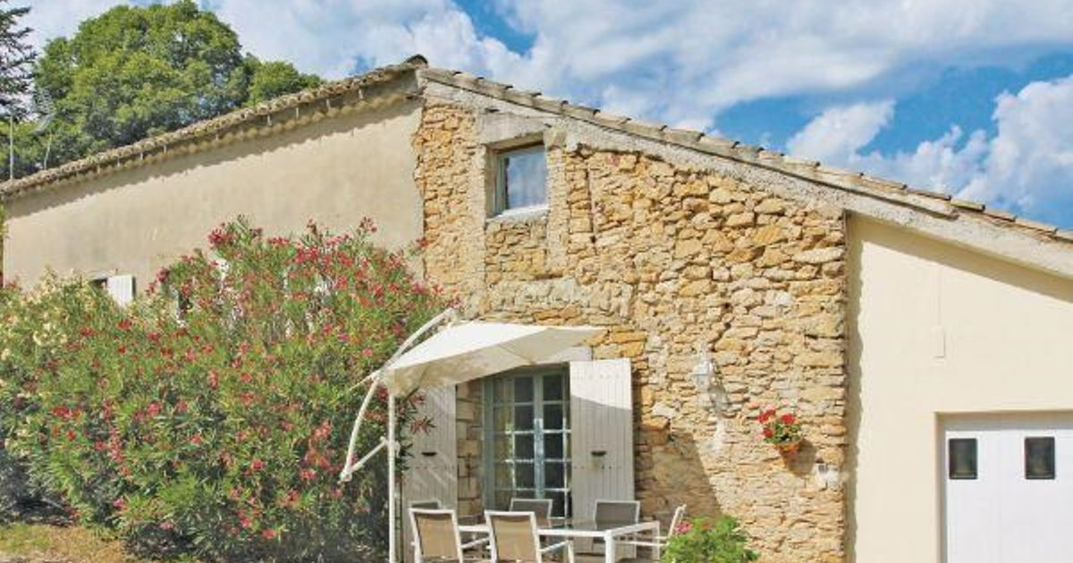Holiday home Couemes-Vaucé N-776