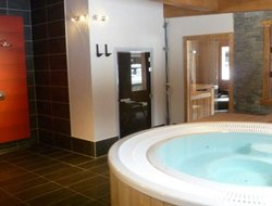 Samoens hotels with swimming pool