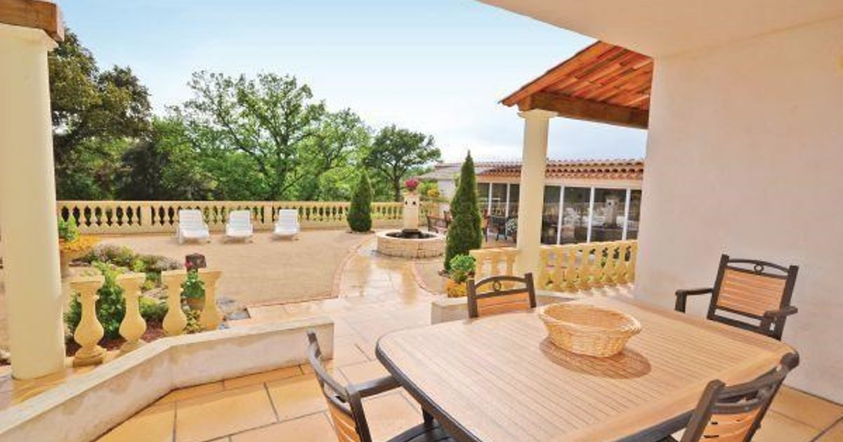 Holiday home Route de Carpentras K-845