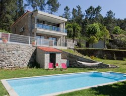Caldelas hotels with swimming pool