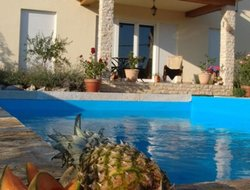 Bribir hotels with swimming pool
