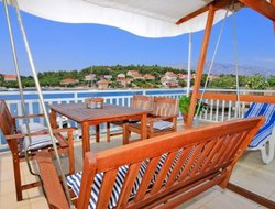 Pets-friendly hotels in Lumbarda