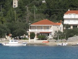 Lumbarda hotels with sea view