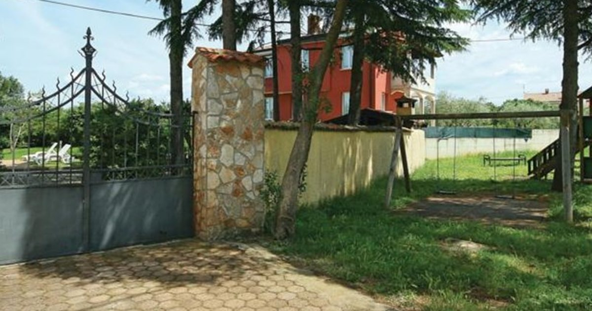 Holiday home Mihatovici V