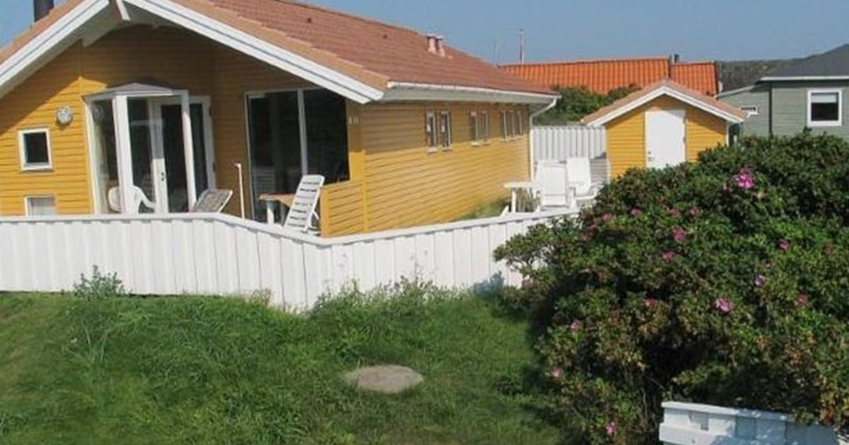Holiday home in Gyvelvej Henne Strand VI